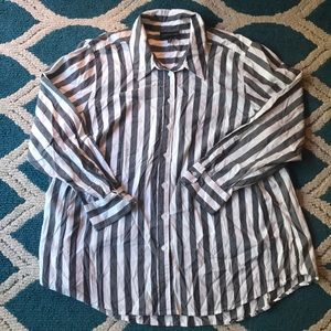 ⭐️LANE BRYANT STRIPED BUTTON DOWN TOP SIZE 28⭐️